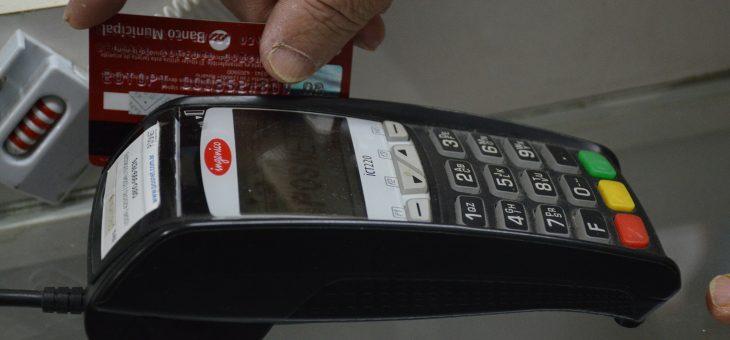 Recomiendan tomar precauciones sobre el uso de tarjetas de crédito y débito.