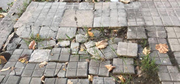 Registraron 82 roturas de veredas en barrio Azcuénaga