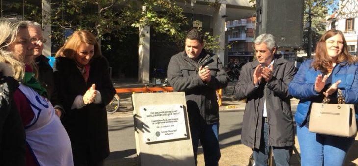 Descubrieron placa por el centenario de la Reforma Universitaria