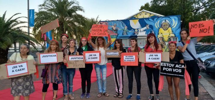 """Mujeres rosarinas fueron parte de la acción global """"Mil millones de pie"""""""