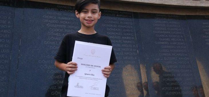 Diploma de Honor a un niño de 9 años