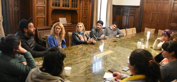 Concejales recibieron a integrantes del área de Niñez