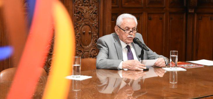 En el Concejo expone su obra Rubén Gagliardo
