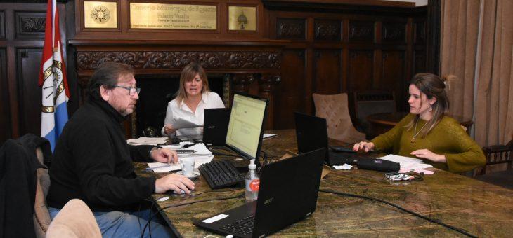 Cursos de acceso laboral y gestión empresarial a través de la modalidad virtual