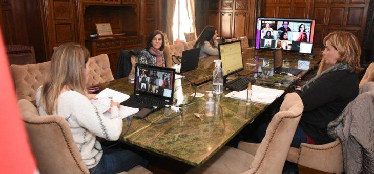 Preparan revista de la comisión de Feminismos