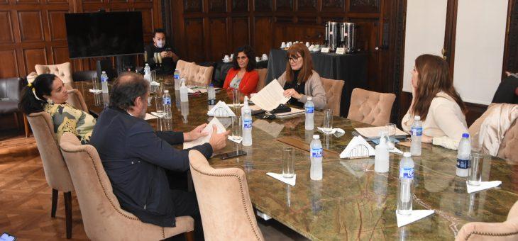 Primera reunión de la comisión especial de Seguimiento de la Hidrovía Rosario